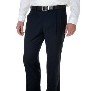 Nautica Classic Fit Solid Navy Pleated Front